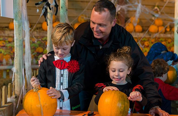pumpkin carving weekend at odds farm park